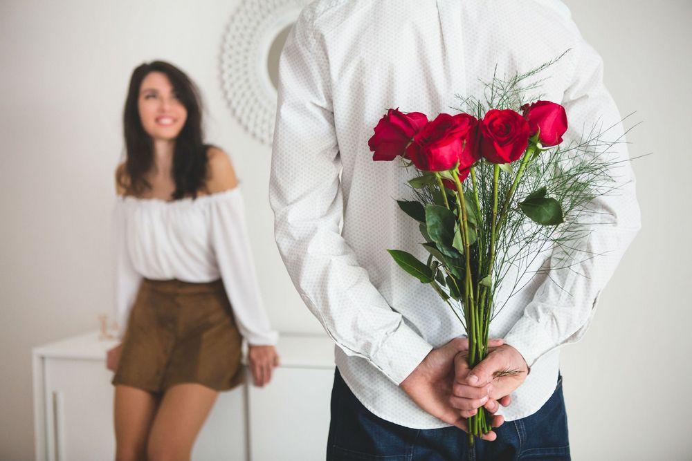Подарунок дівчині на 25 років